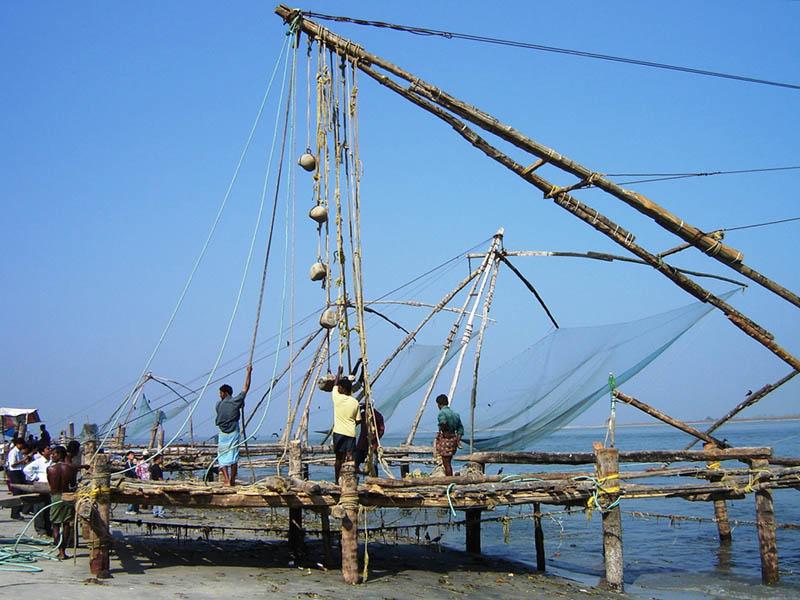 India, i padelloni con le reti cinesi.