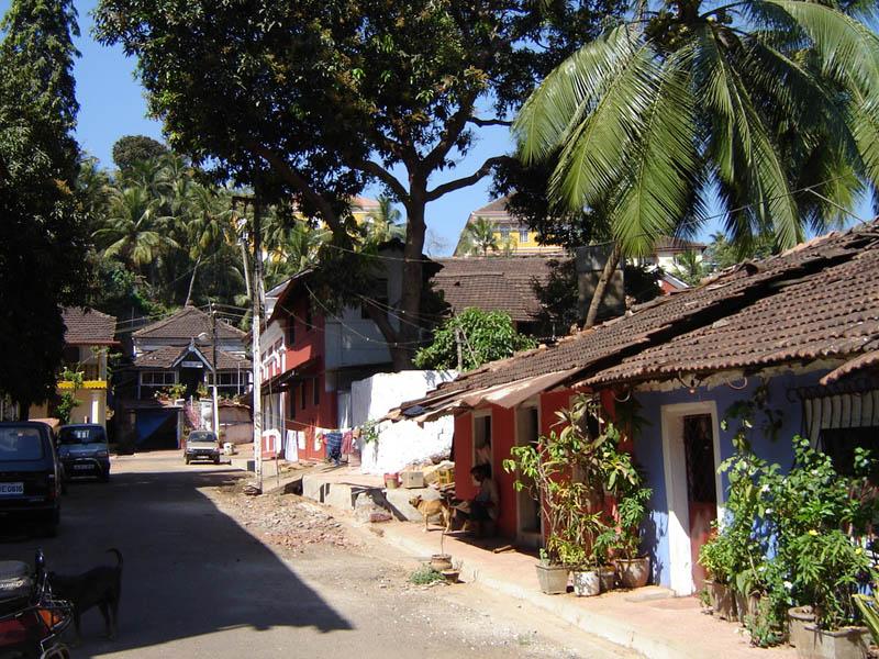 India, Goa - Strada a Panaji.
