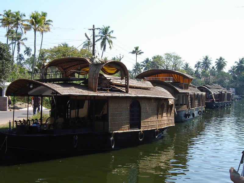 India, Kerala - Barche sulle Backwaters.