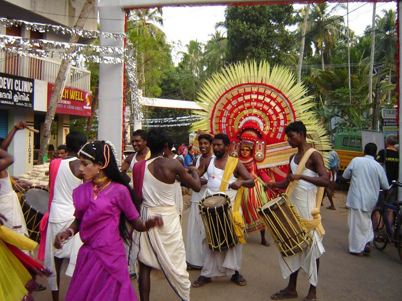 India, Kerala - Festa nel villaggio.