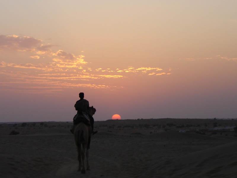 Tramonto nel deserto del Thar