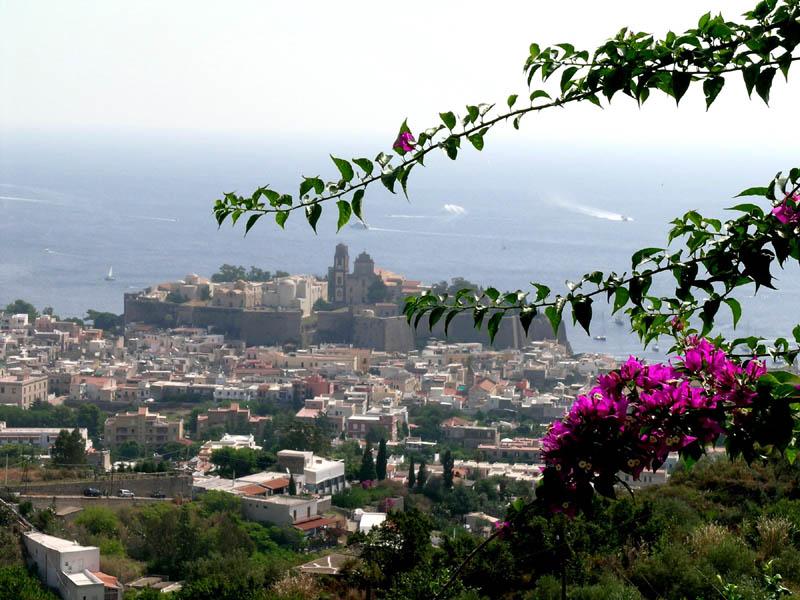 Lipari, l'Acropoli con la Cattedrale.
