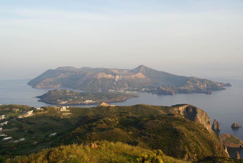 Lipari, panorama su Vulcano