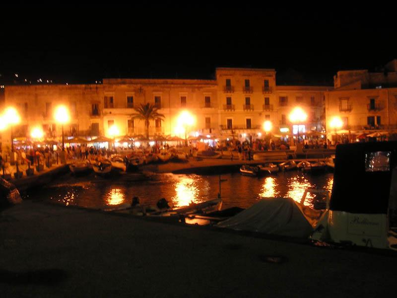 Lipari, Marina Corta di sera.