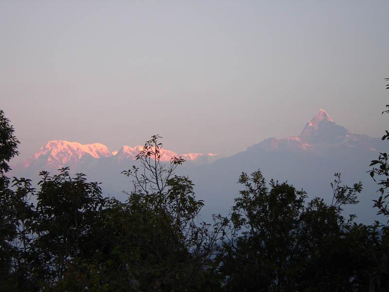 Nepal, Himalaya - Alba sull'Annapurna.