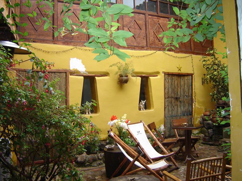 Cuzco, Bar in giardino