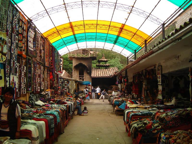 Perù, mercato coperto di Pisac